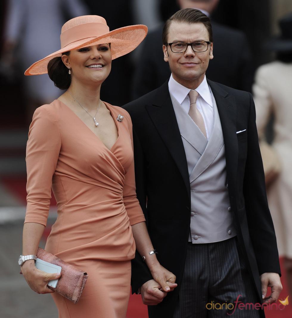 Victoria de Suecia y Daniel Westling en la boda Real de Inglaterra