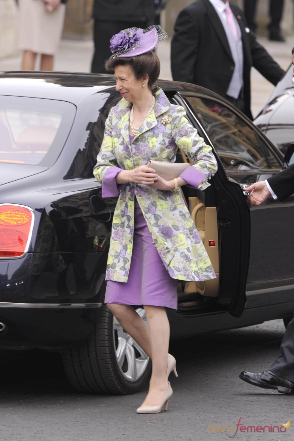 La Princesa Anna  de Inglaterra a su llegada a la Abadía de Westmineter