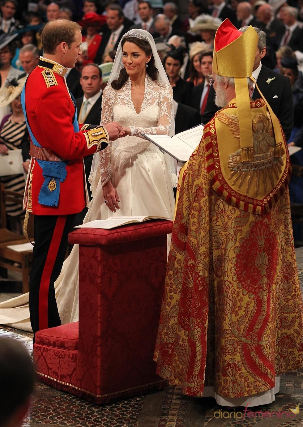 El momento del 'sí quiero' entre Guillermo de Inglaterra y Kate Middleton