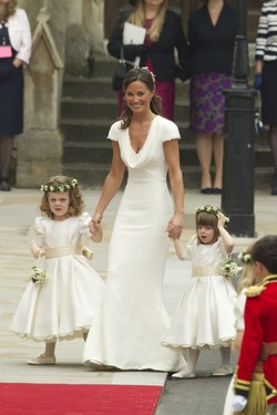 Pippa Middleton, la madrina también viste de blanco