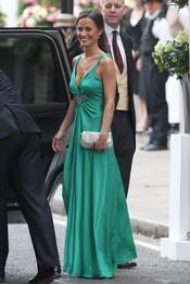 Pippa Middleton con un vestido verde para la fiesta privada de la Boda Real