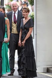 Carole Middleton con un vestido negro para la fiesta privada de la Boda Real