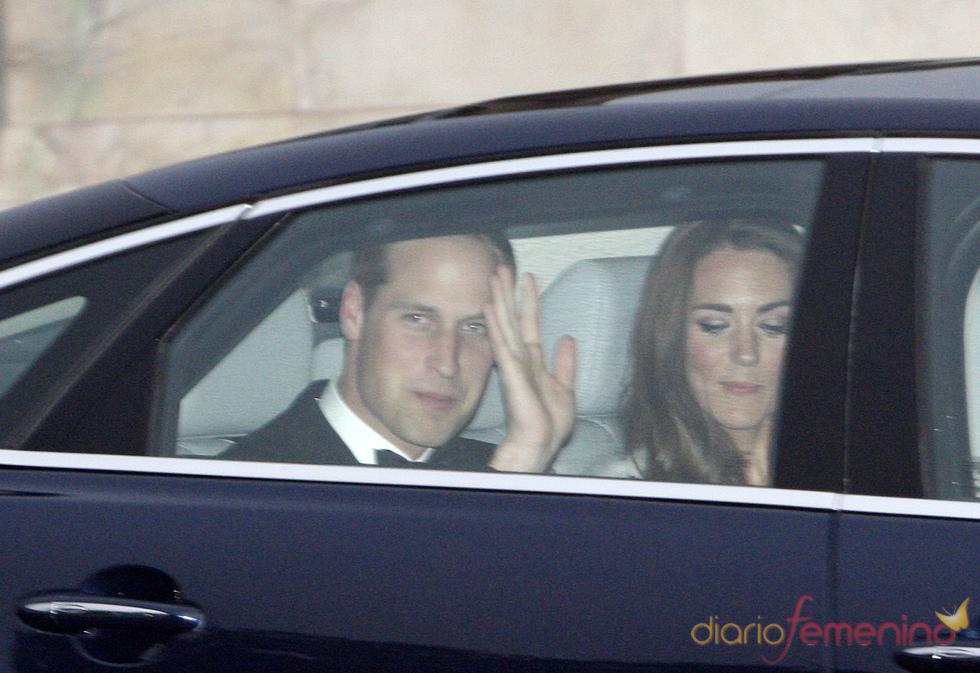 Guillermo de Inglaterra y Kate Middleton en la fiesta privada de la Boda Real