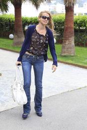 Bárbara Suanzes, mujer de Antonio Morales, llega a Ibiza para asistir a la boda de Carmen