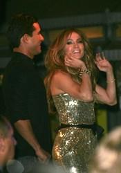 Jennifer López baila en la presentación de su nuevo disco, 'Love?'