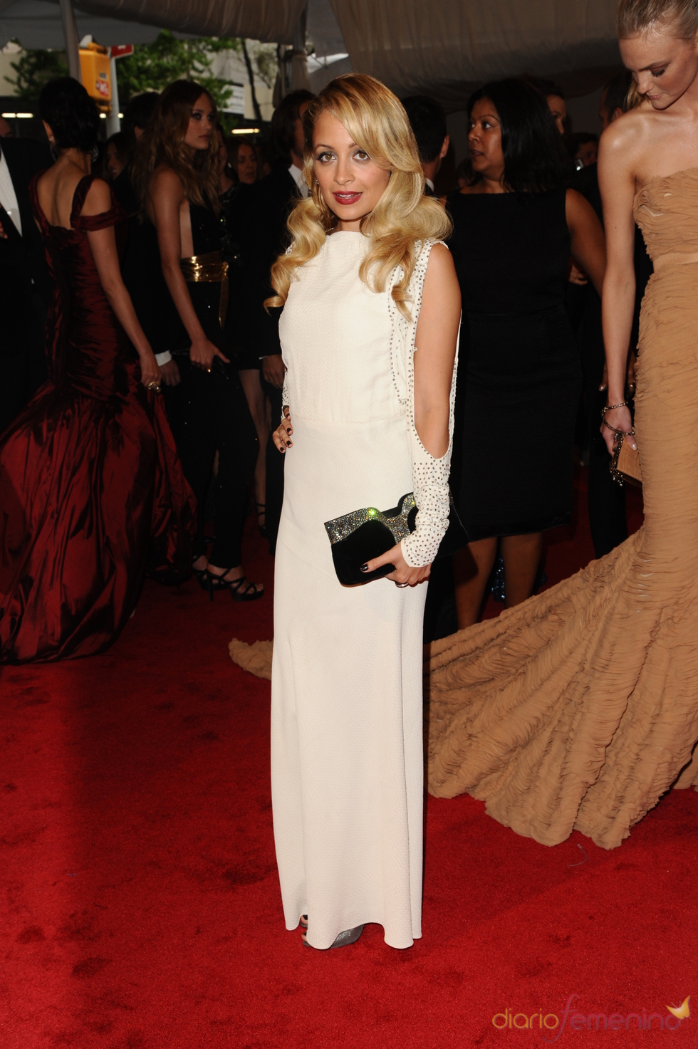 Nicole Richie en la gala Costume en el Museo Metropolitano de Arte