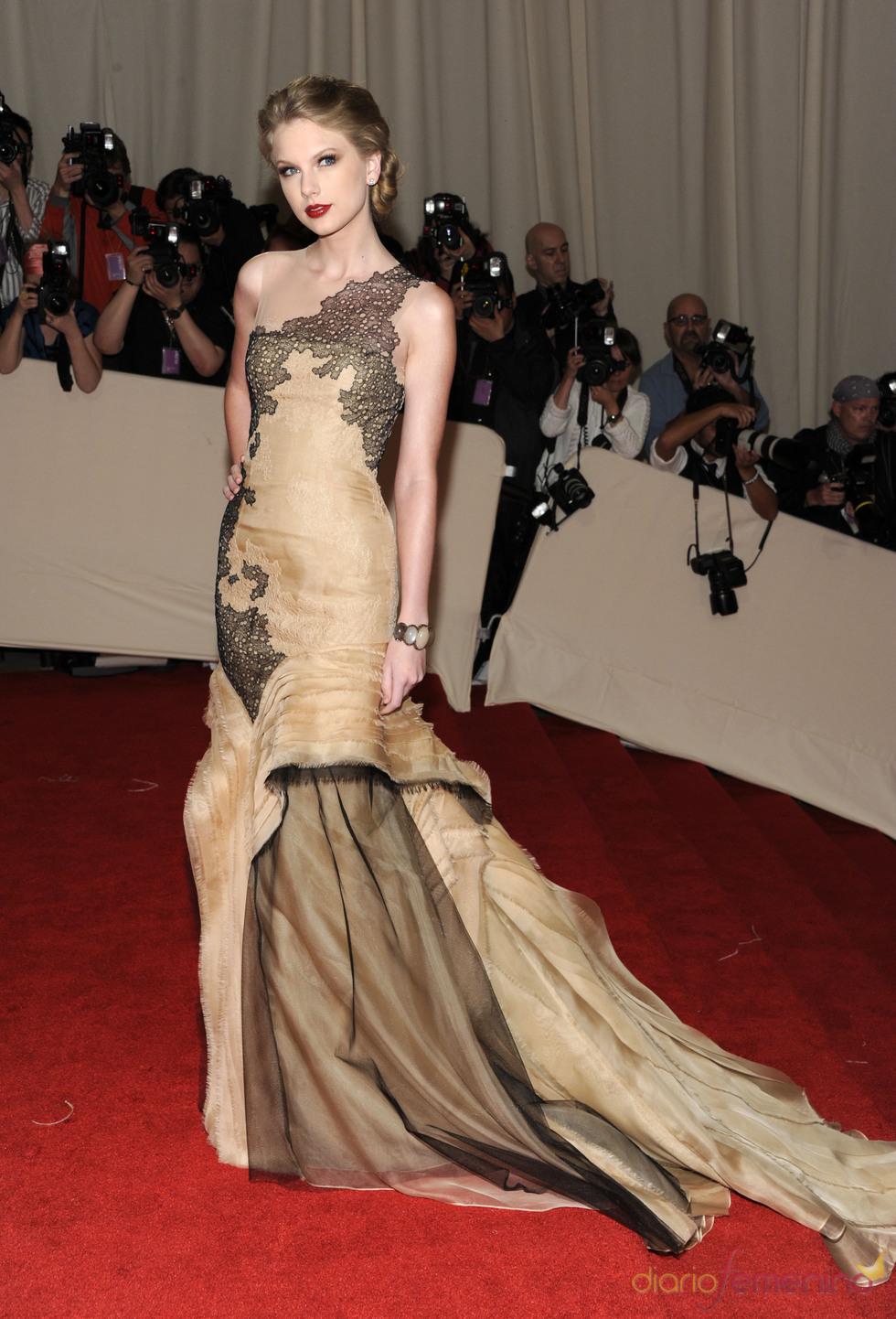 Taylor Swift en la gala Costume en el Museo Metropolitano de Arte