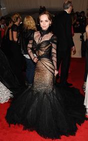 Christina Ricci en la gala Costume en el Museo Metropolitano de Arte