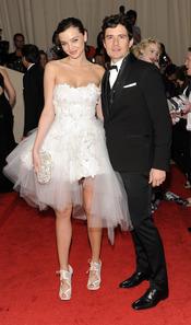 Orlando Bloom y Miranda Kerr en la gala Costume en el Museo Metropolitano de Arte