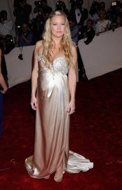 Kate Hudson en la gala Costume en el Museo Metropolitano de Arte