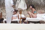 Ashley Tisdale y Vanessa Hudgens, de vacaciones en México