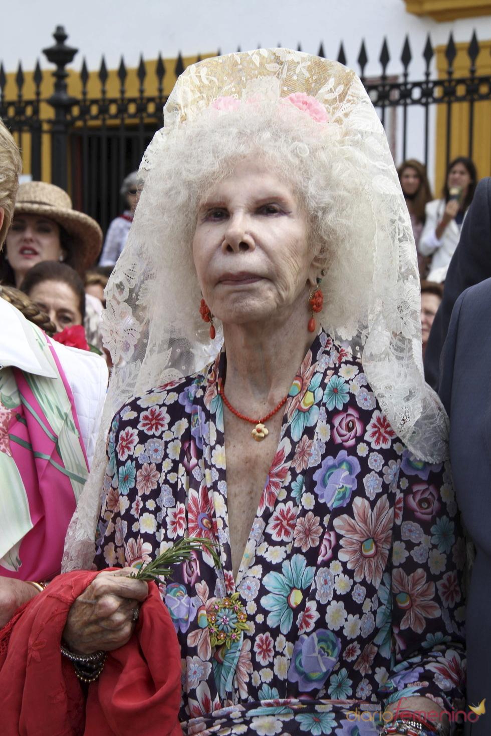 La Duquesa de Alba en la Feria de Abril 2011