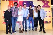 Elenco de la película 'No lo llames amor... llámalo X' en la presentación en Madrid