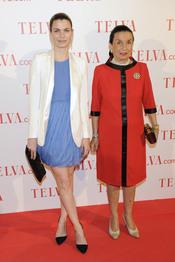 Alejandra Rojas y su madre durante los premios Telva Solidaridad 2011