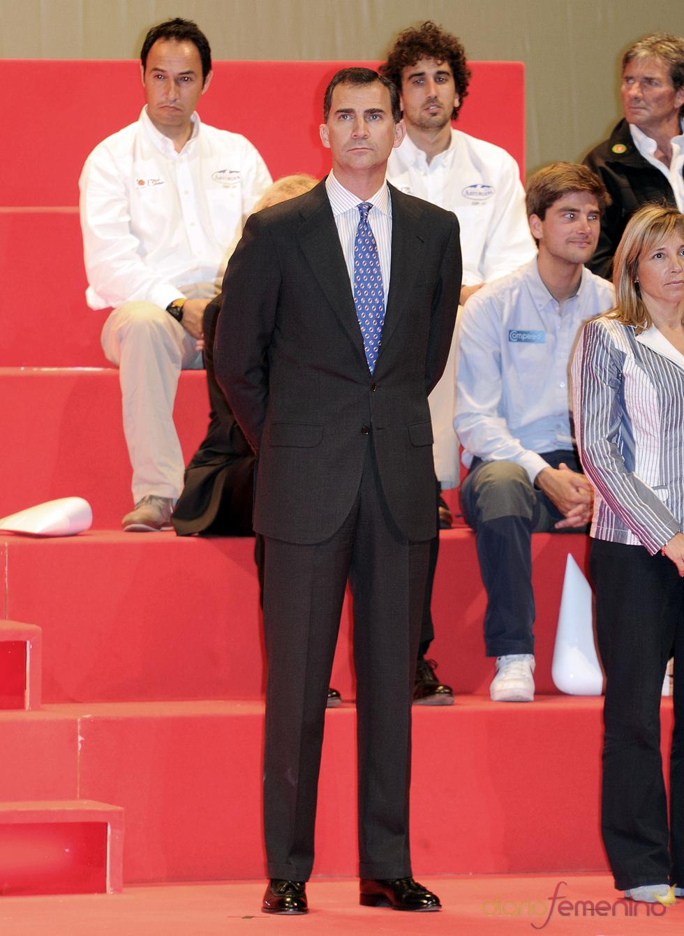 El príncipe Felipe, sin barba en los Premios Barcelona World Race
