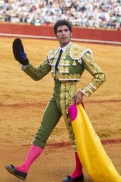 Cayetano Rivera torea en la Feria de Abril