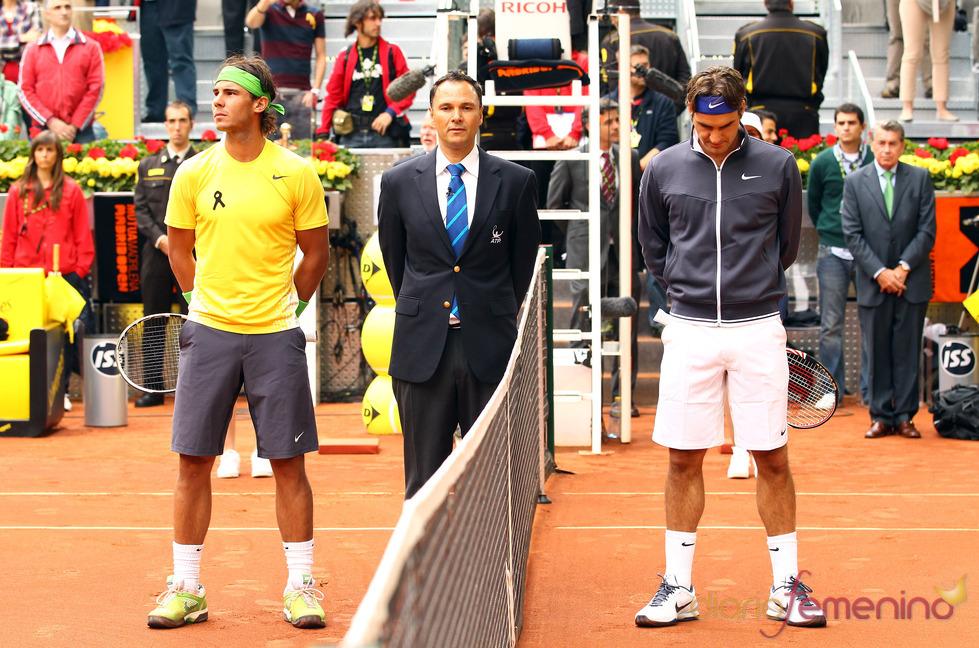 Rafa Nadal y Roger Federer durante el minuto de silencio en memoria a Severiano Ballesteros