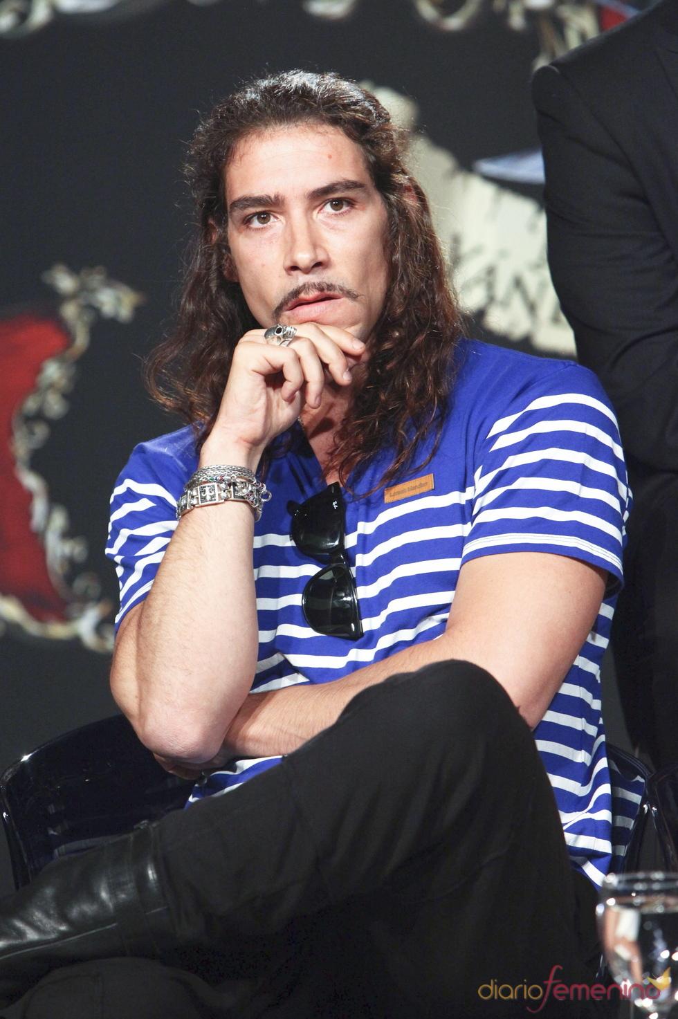 Óscar Jaenada durante la presentación de 'Piratas', la serie de Telecinco