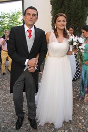 Alba Muñoz llega nerviosa a su boda en Sevilla