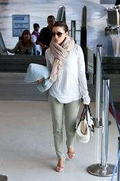 Eva Longoria en el aeropuerto de Los Ángeles