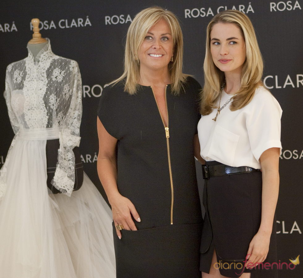 La diseñadora Rosa Clará preparando la Barcelona Fashion Week