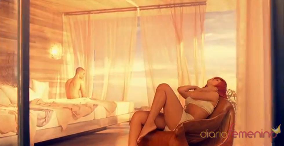La sensualidad de Rihanna en 'California King Bed'