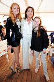 Blake Lively, Carolina de Mónaco y su hija Alexandra en el Crucero de Chanel