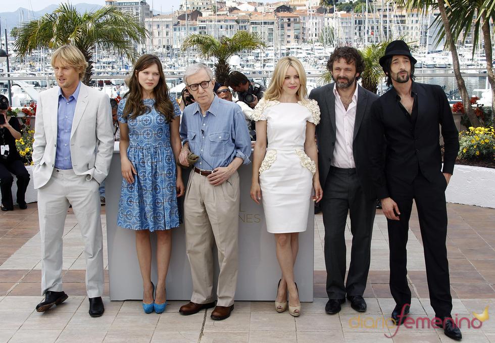 Reparto de 'Medianoche en París' en el Festival de Cine de Cannes 2011