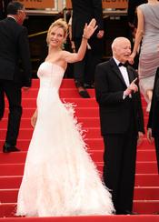 Uma Thurman deslumbra a su llegada al Festival de Cine de Cannes 2011