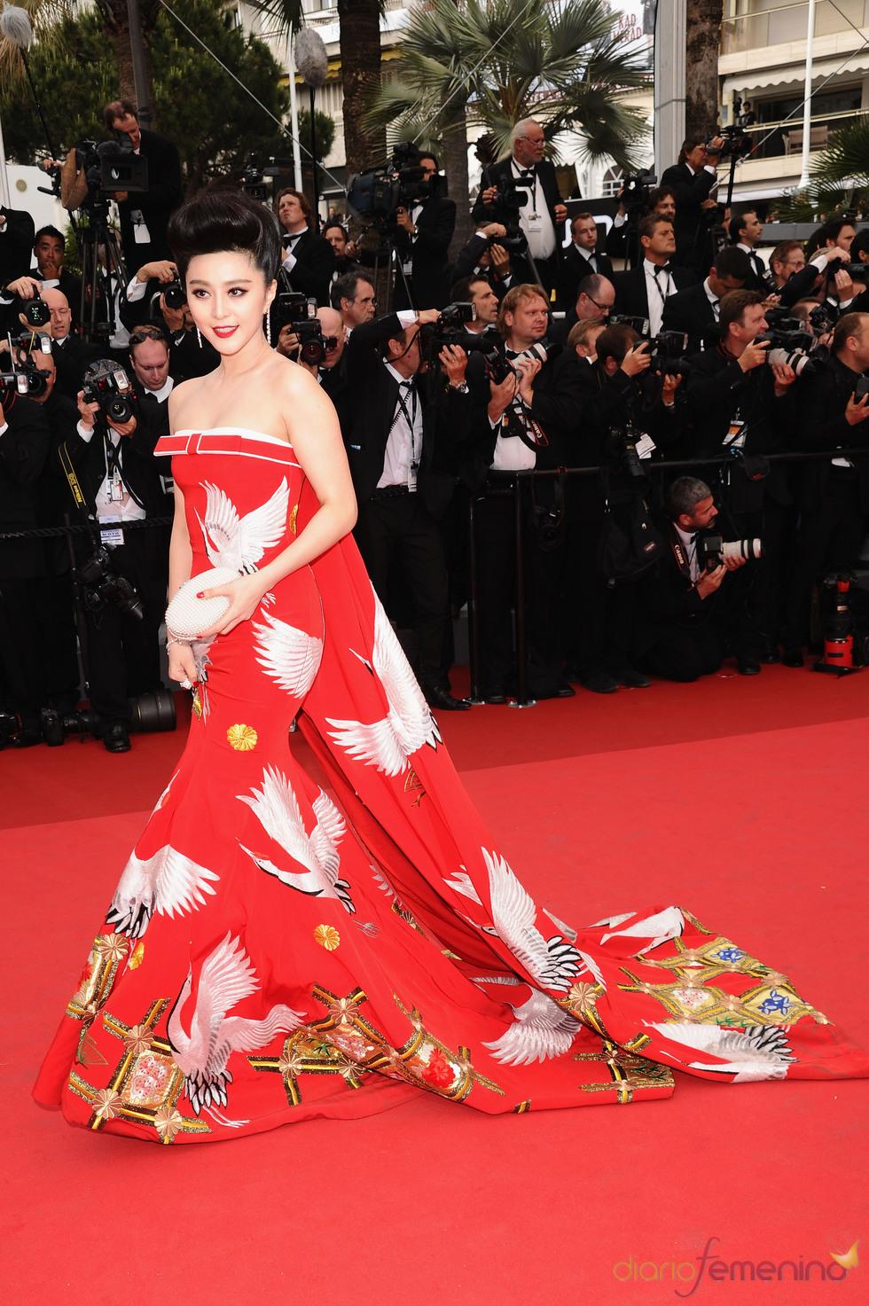 Fan Bingbing posa en la alfombra roja del Festival de Cine de Cannes 2011