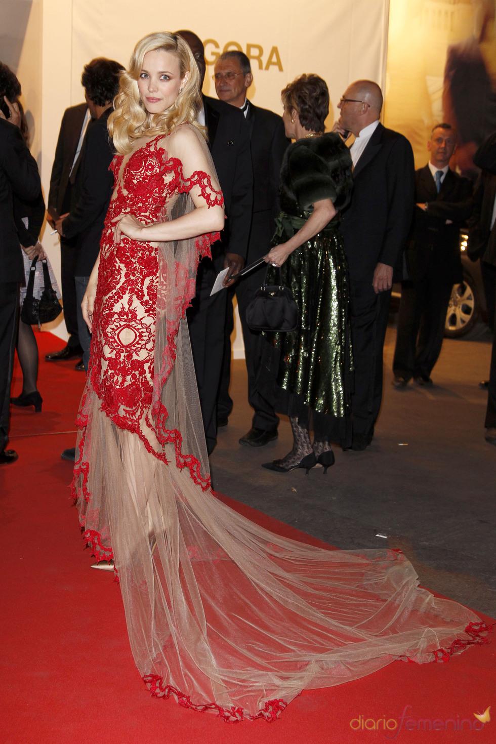 Rachel McAdams posa en la alfombra roja del Festival de Cine de Cannes 2011