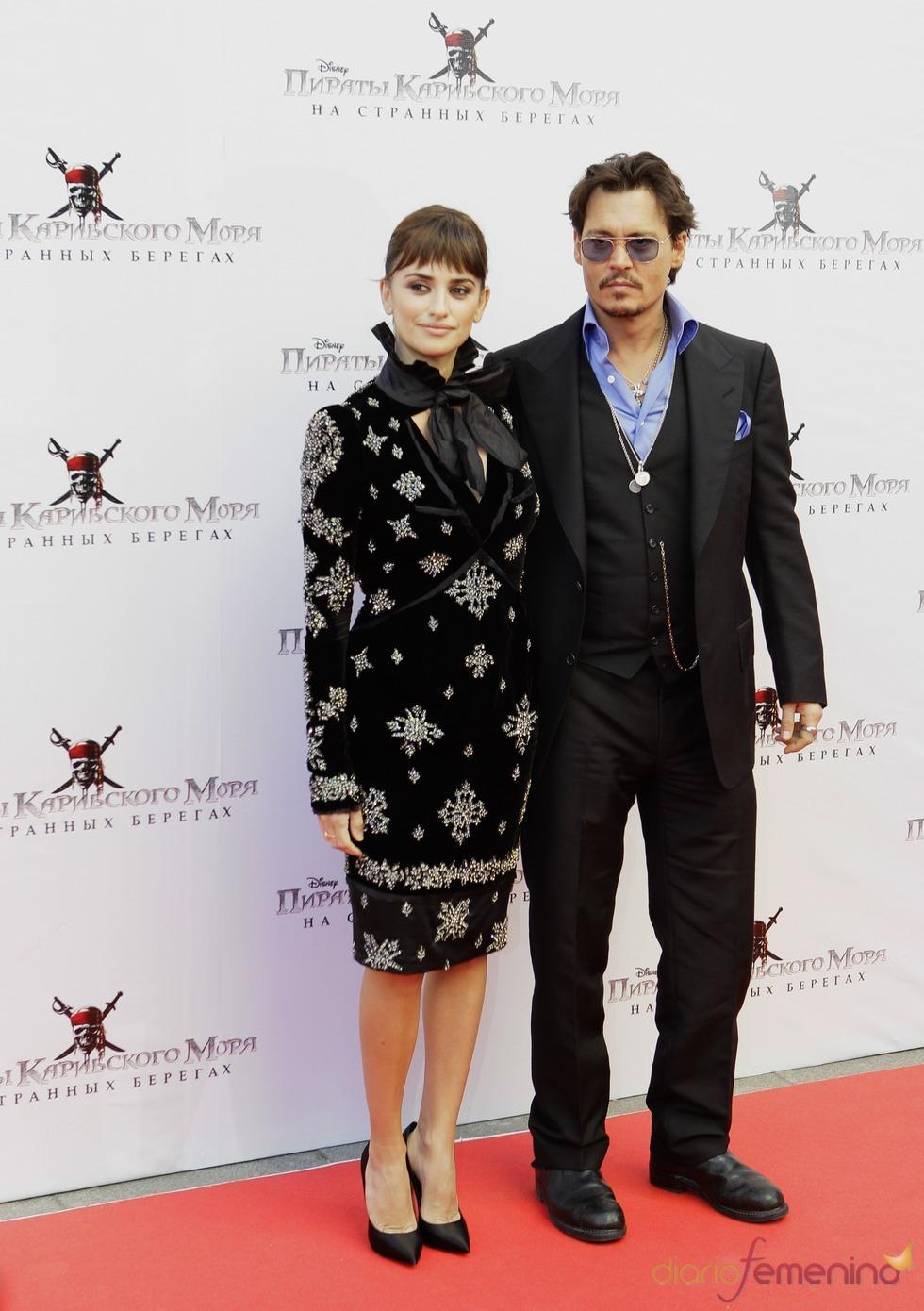 Penélope Cruz y Johnny Depp presentan 'Piratas del Caribe 4' en Moscú