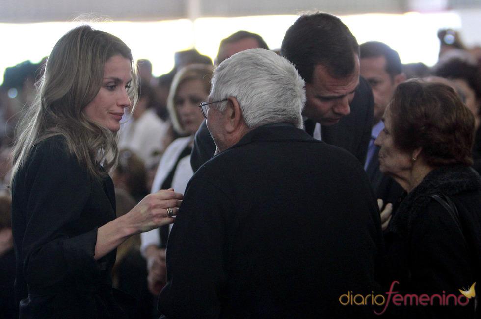 La Princesa Letizia, en Lorca, con los familiares de las víctimas del terremoto