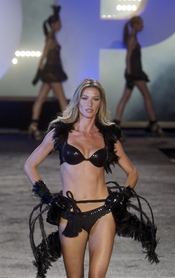 Gisele Bündchen presenta su línea de ropa interior