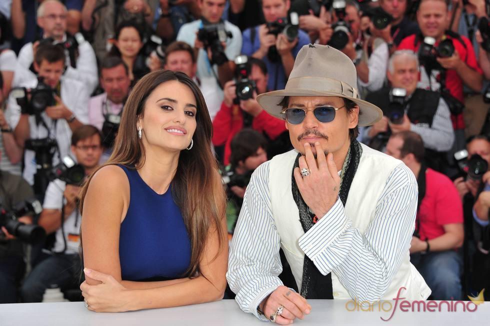 Penélope Cruz y Johnny Depp presentan 'Piratas del Caribe' en Cannes 2011