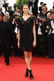 Karolina Kurkova en la alfombra roja del festival de Cannes 2011
