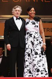 Robert De Niro y Grace Hightower en la alfombra roja del festival de Cannes 2011