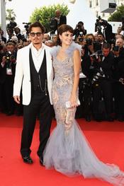 Penélope Cruz y Johnny Depp en la alfombra roja del festival de Cannes 2011