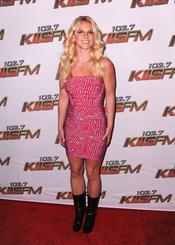 Britney Spears posa a su llegada al concierto KIIS FM's 2011 Wango Tango