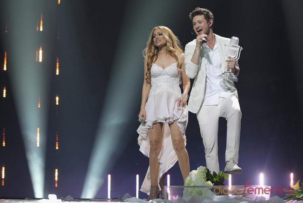 Ell y Nikki, de Azerbaiyán, durante su actuación en Eurovisión 2011