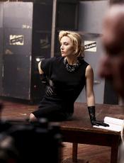 Kate Winslet, de negro en las fotos para la marca de ropa St.John
