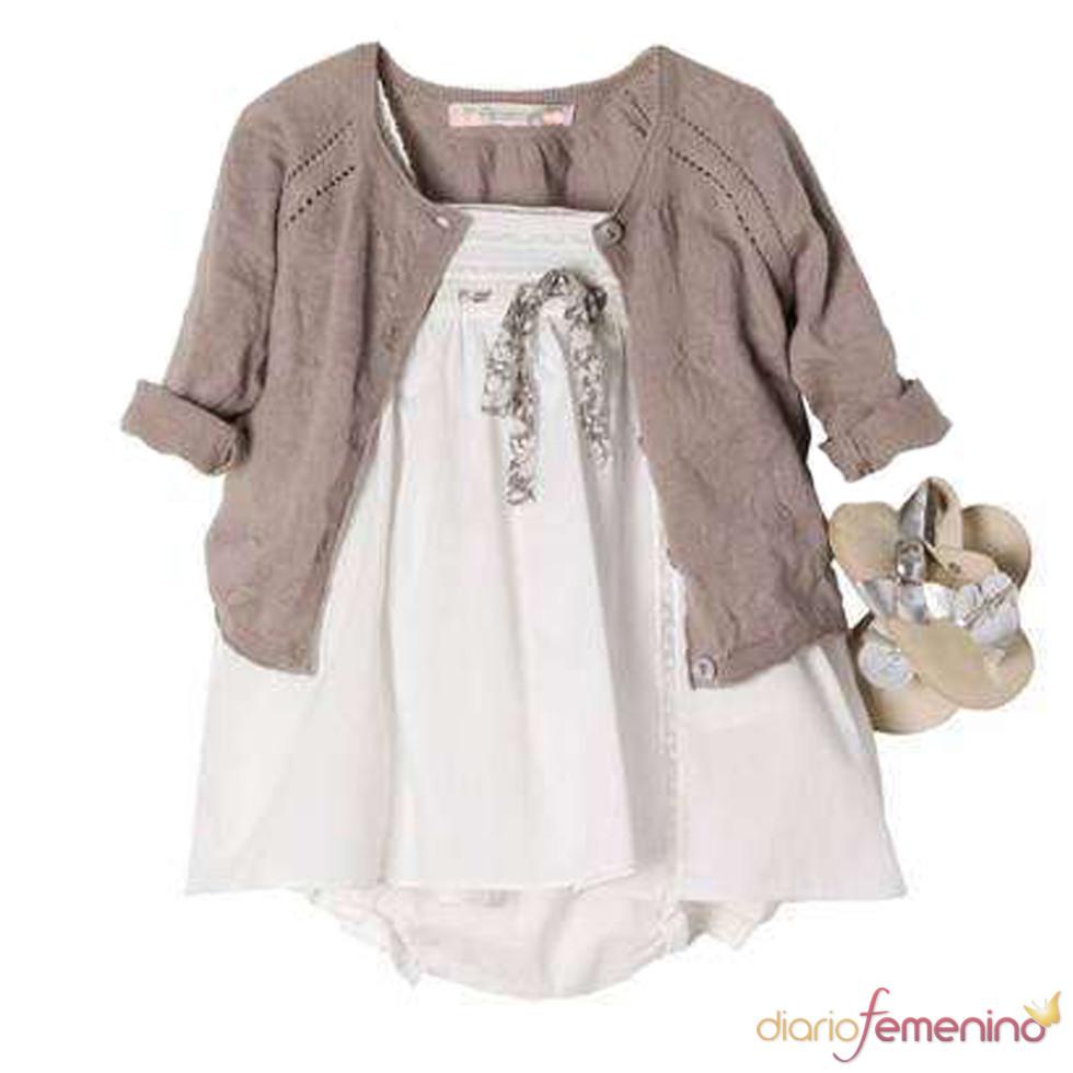 Vestido blanco y marrón de la 'baby shower' de Victoria Beckham