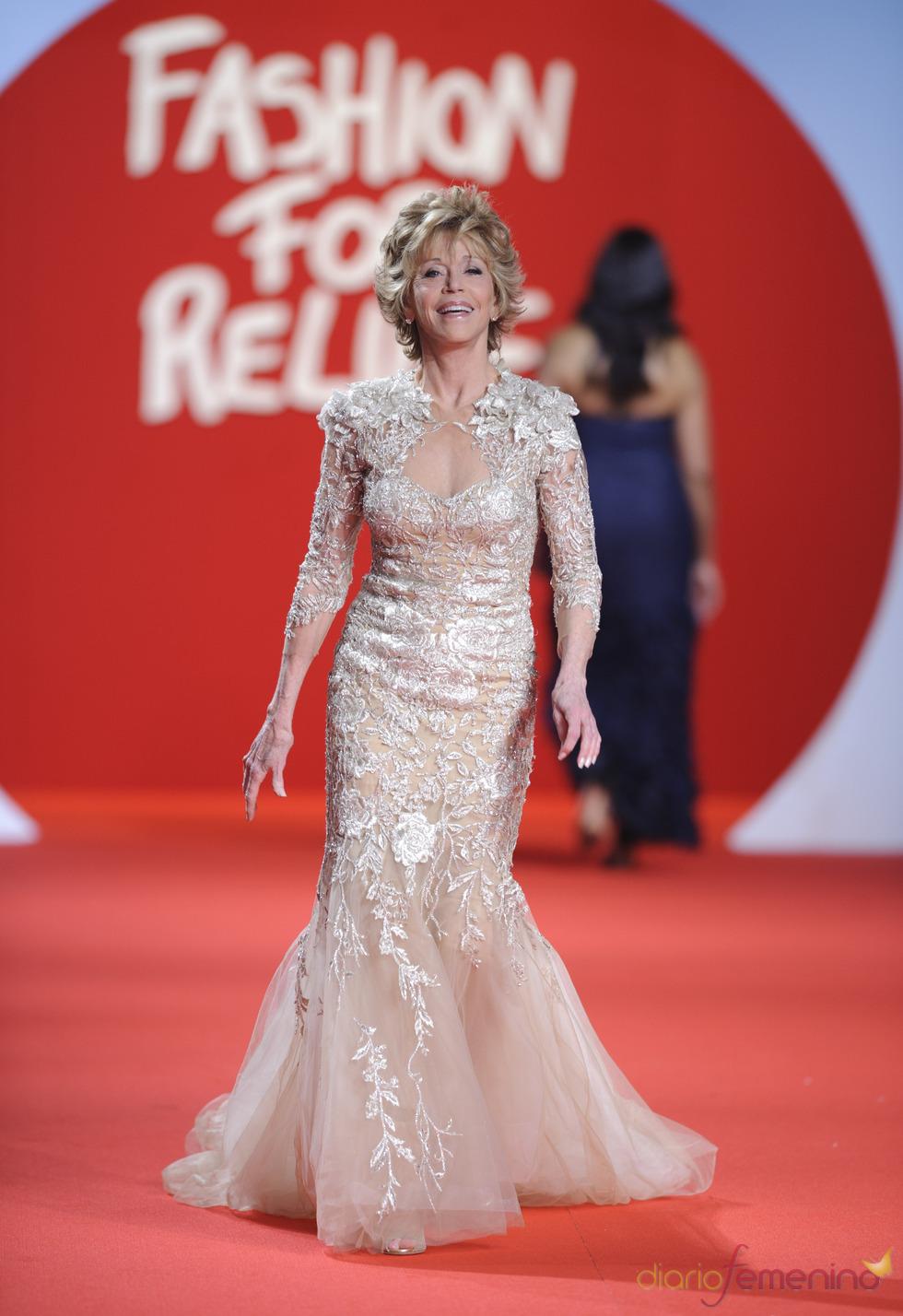 Jane Fonda en la pasarela solidaria de Cannes