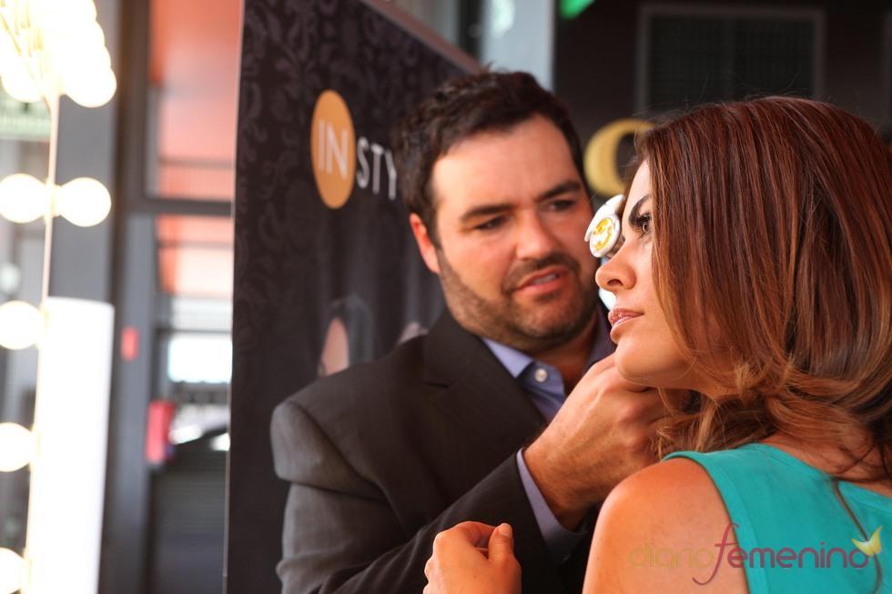 Dean Banowetz utiliza la plancha rotatoria InStyle con María Jose Suárez