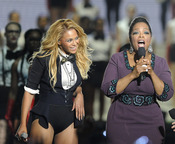 Oprah Winfrey con Beyoncé en la grabación de su último show