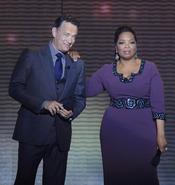 Oprah Winfrey con Tom Hanks en la grabación de su último show