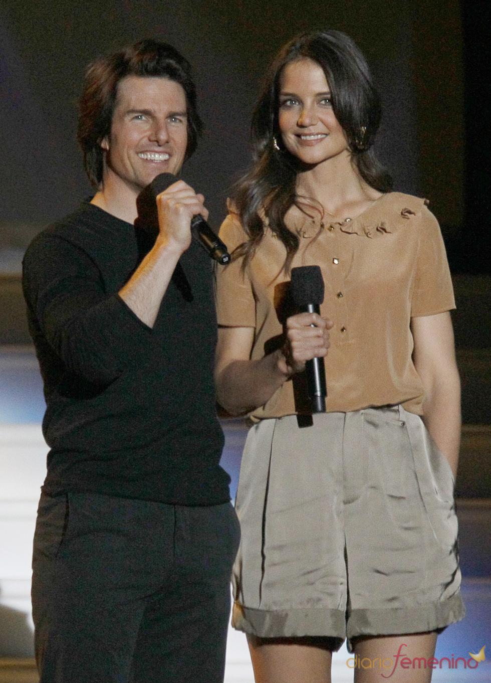 Tom Cruise y Katie Holmes en la grabación del último show de Oprah