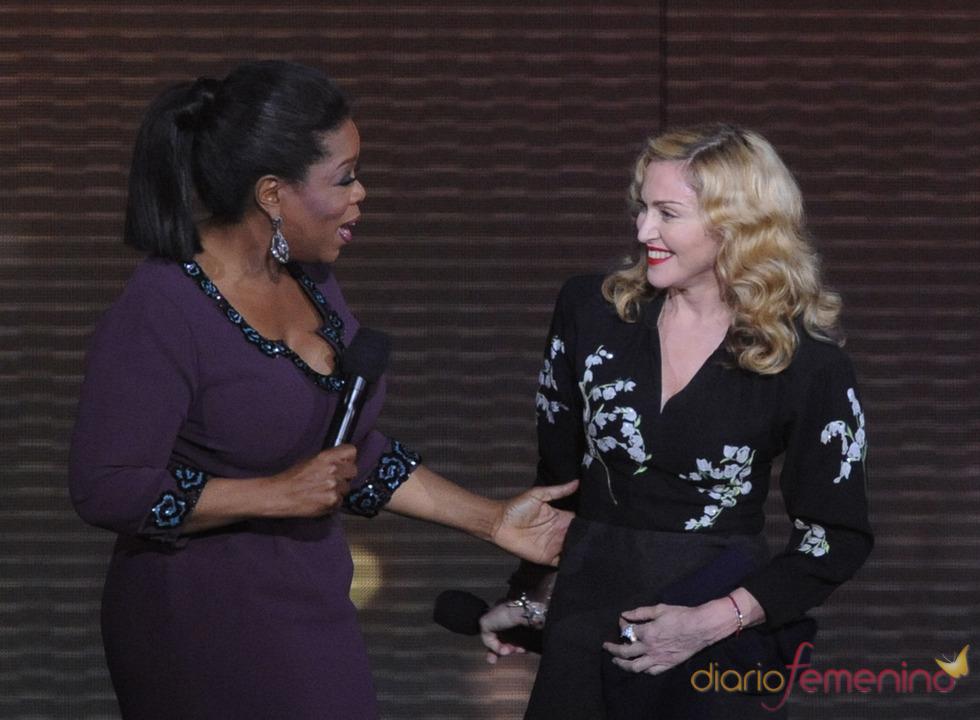 Oprah Winfrey con Madonna en la grabación de su último show