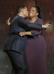 Oprah Winfrey con Will Smith en la grabación de su último show