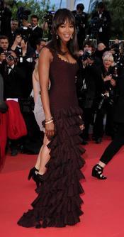 Naomi Campbell posa en la alfombra roja del Festival de Cannes 2011